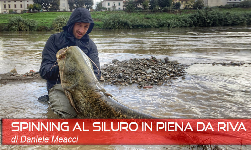 FISHING - COVER in piena da riva